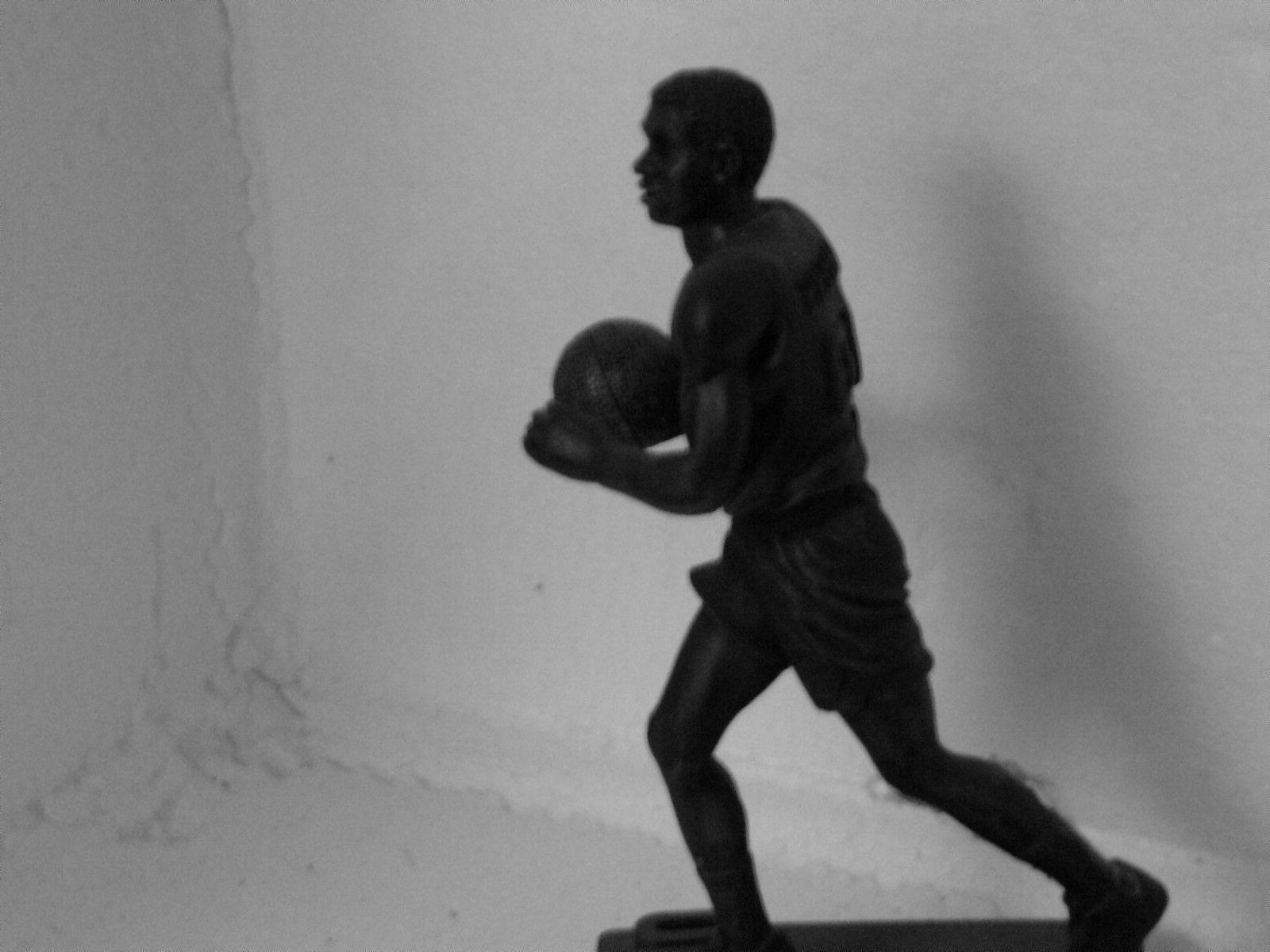 maurice cheeks philadelphia sixers 76ers bronze statue