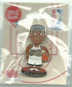 NBA Philadelphia 76ers Bobbing Bobblehead Player Pin NIP AMI